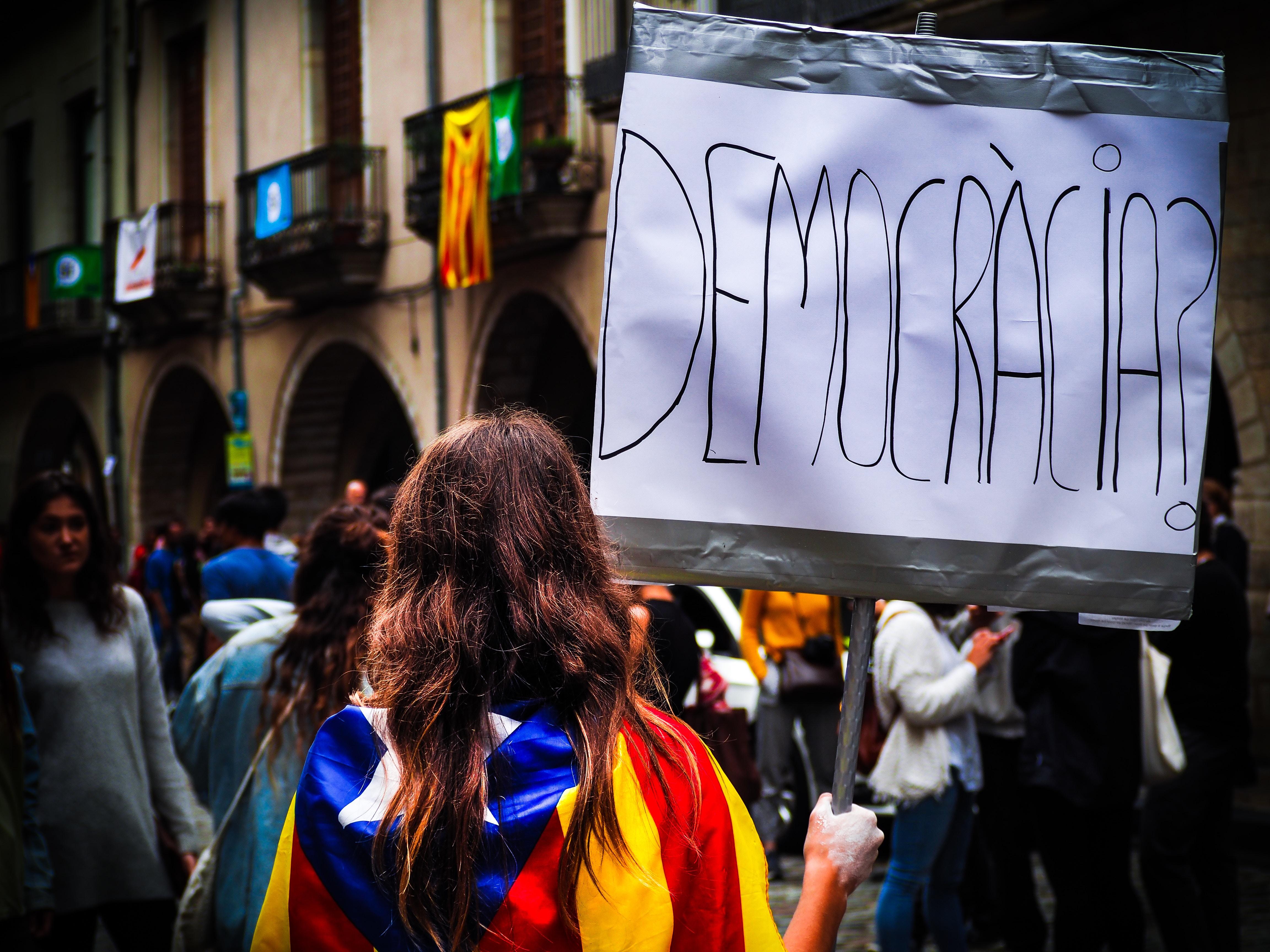 Catalogna: il referendum non è costituzionale, quali sono le alternative?